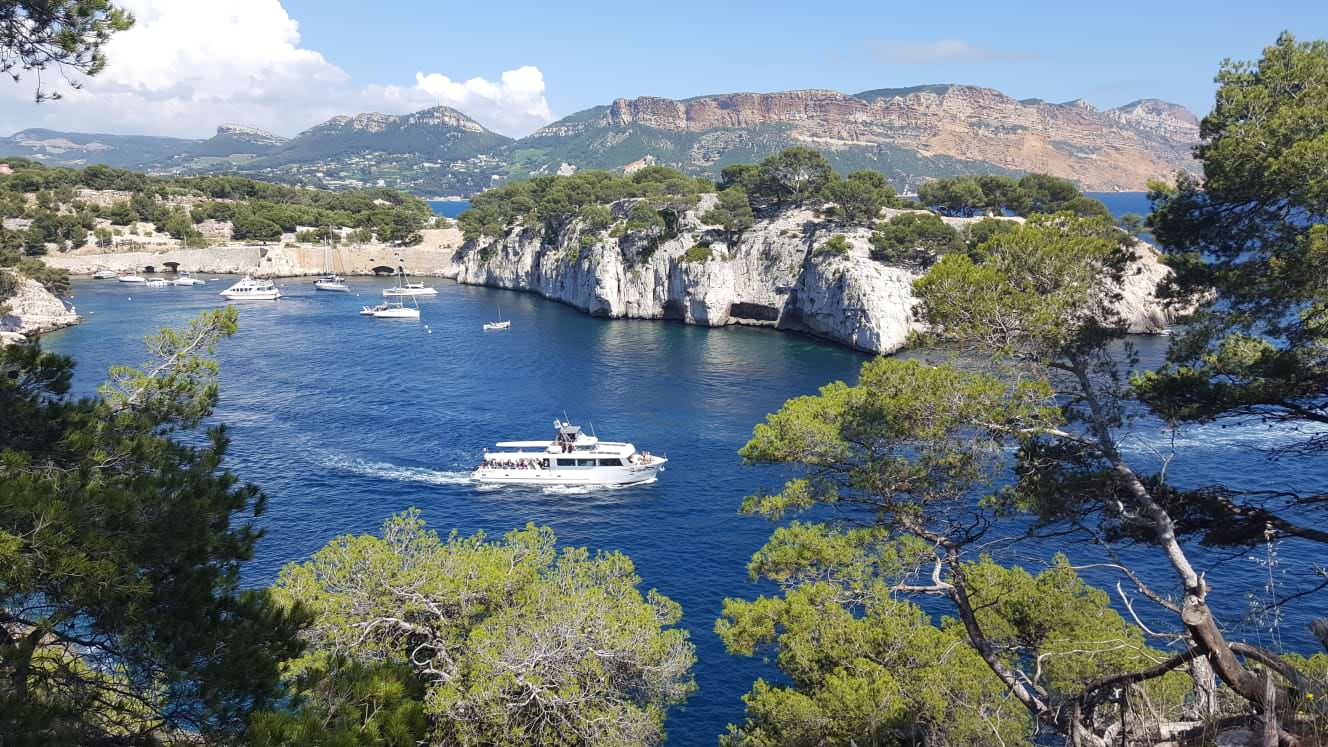 Discover the Calanques de Cassis by boat