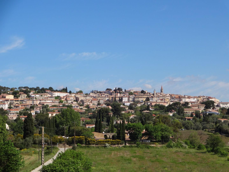 Vue du village de la Cadière